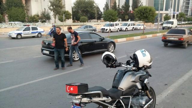 Akçakale Belediye Başkanı Abdulhakim Ayhan'a saldırı yapıldı
