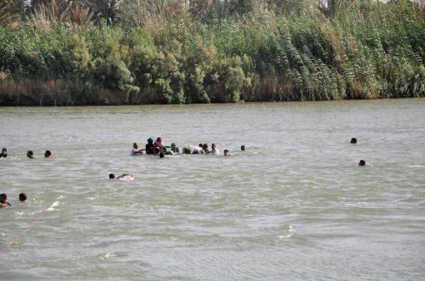 Fırat Nehrinde kan donduran görüntü!