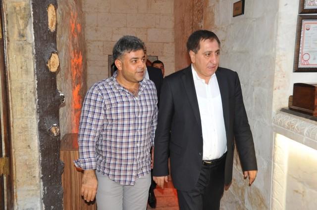 DEKA İnşaatın Yönetim Kurulu Başkanı Selami Deveci, müteahhitlere iftar yemeği verdi.