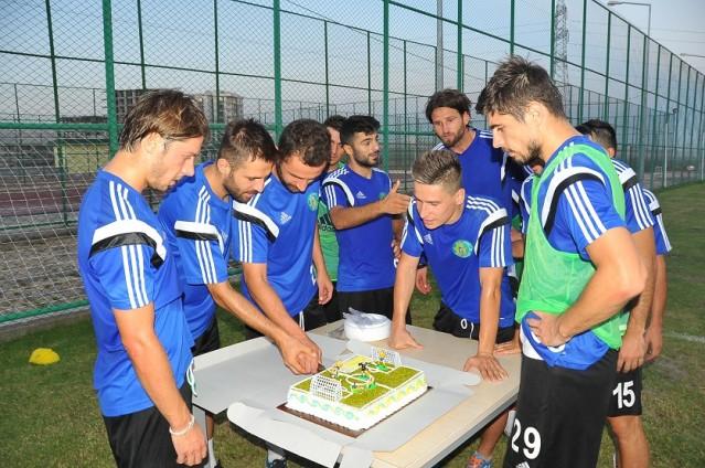 Abdulkadir Özgen'e doğum günü sürprizi