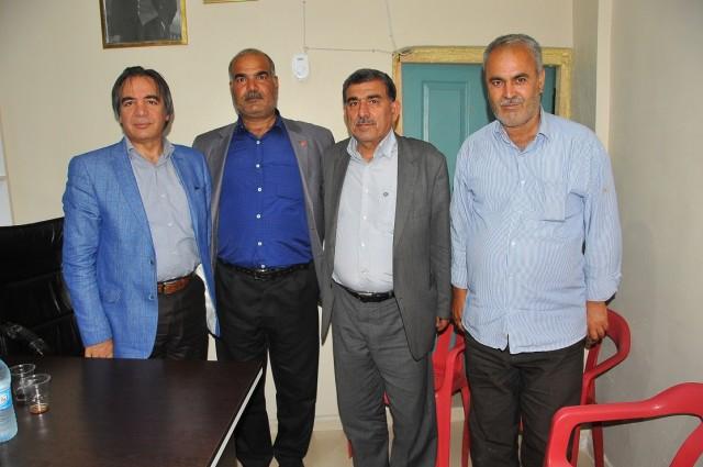AK Parti Şanlıurfa Milletvekili ve AK Parti MKYK Üyesi Prof. Dr. Mazhar Bağlı, Şanlıurfa'ya gelerek bir dizi temaslarda bulundu.
