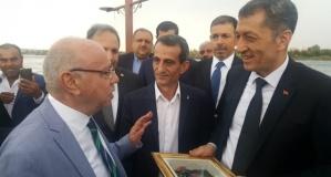 bakan_selcuk_birecik