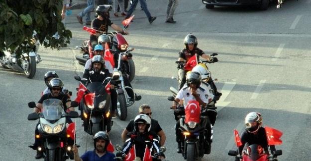 Gazilerden Teröre Motosikletli Tepki