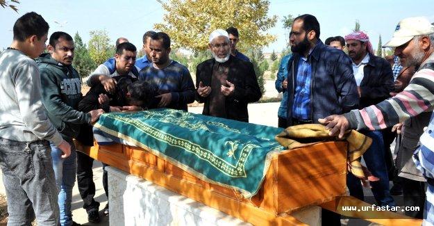 Öldürülen Suriyeli gazeteci, toprağa verildi
