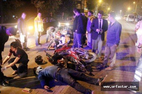 İki motosiklet kafa kafaya çarpıştı