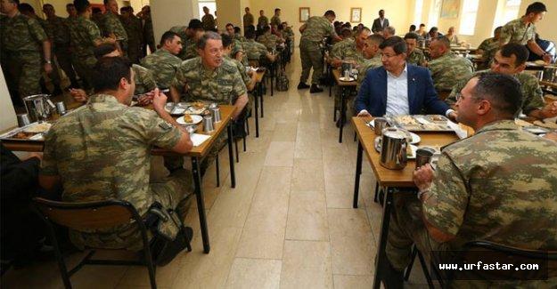 Türk askeri Musul'da kalmaya devam edecek mi?