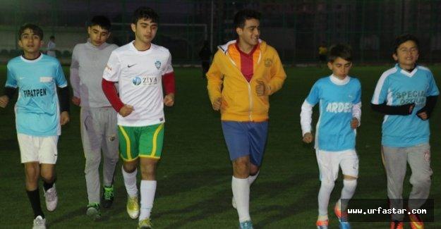 Urfaspor'da geleceğin yıldızları seçiliyor