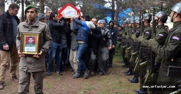Urfa'da vefat eden asker toprağa verildi