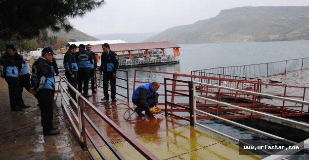 Halfeti'de Kaçak İskele Ve Dubalara Uygulama