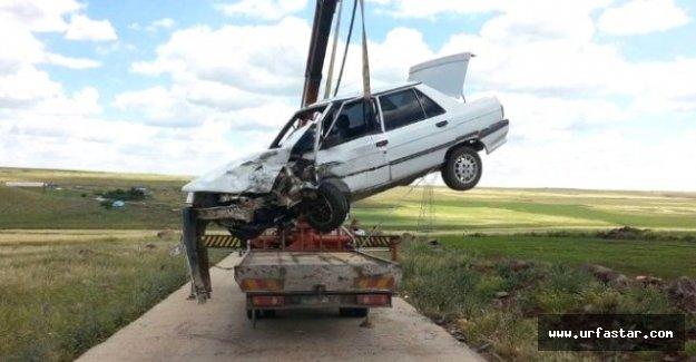 Siverek'te iki araç kafa kafaya çarpıştı