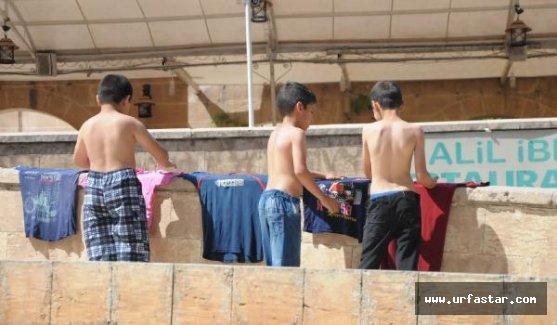 Urfa'da sıcak hava sokakları boşalttı