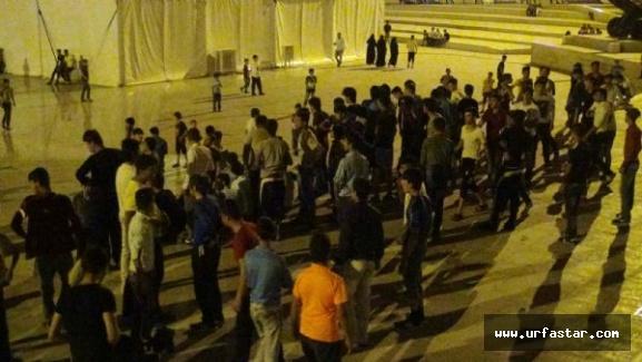 Urfalı gençler ile Suriyeliler birbirine girdi