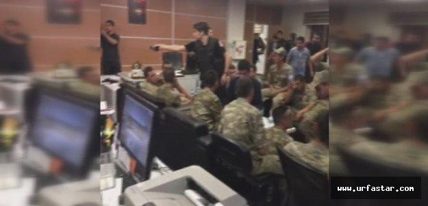 Askerler gözaltında