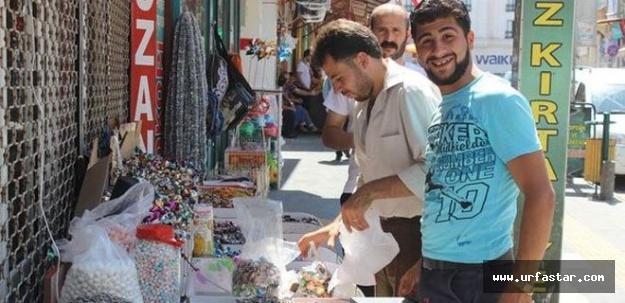 Suriyeliler Türkiye'de işi ilerletti