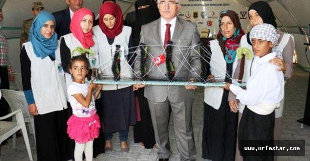 Suriyelilerden, Vali Tuna'ya anlamlı hediye