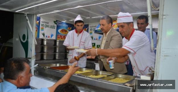 Yemek servisi Başkan Pınarbaşı'ndan...