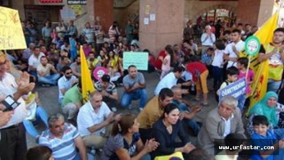 Urfa'da oturma eylemi yaptılar