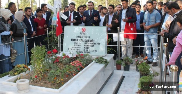 Urfalı gençler, Kahraman'ın mezarını ziyaret etti