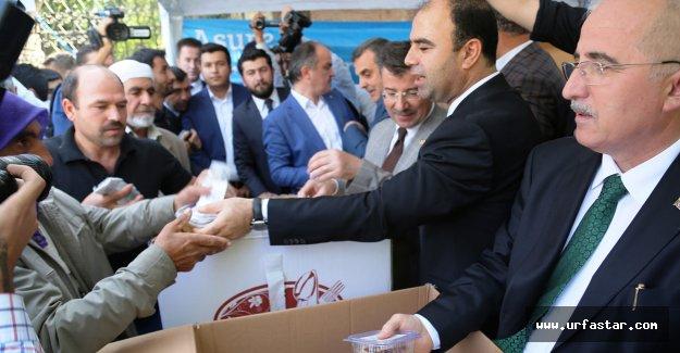 Vali Tuna ve Başkan Çiftçi'den aşure ikramı