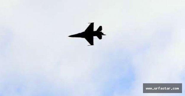 Savaş uçakları mültecileri vurdu; 100 ölü