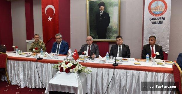 VALİ TUNA'DAN ANLAMLI TOPLANTI