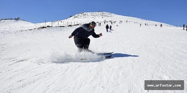 Urfa'da kar kalınlığı 2 metreyi buldu..