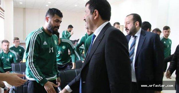 Urfaspor Yönetiminden futbolculara moral...