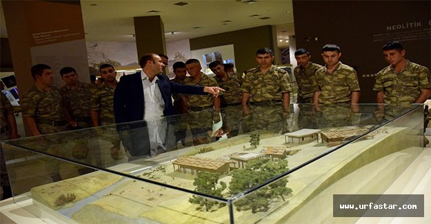 Urfa'daki askerler müzeyi gezdi