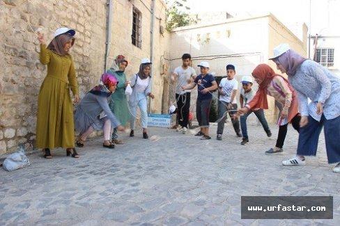 Çocuklar sokak oyunlarıyla bir araya geldi