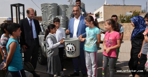 Hilvan Belediyesi, Okullara 300 Çöp Kovası Dağıttı