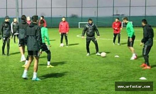 Urfaspor'un Antalya kampı başladı