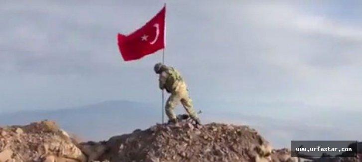 Ve Türk Bayrağı oraya da dikildi