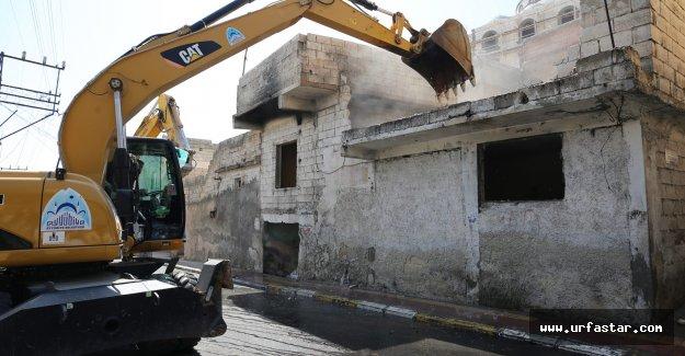 Eyyübiye Belediyesi istimlak ettiği 5 evi yıktı