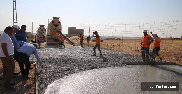 Akçakale'ye betondan yol yaptılar