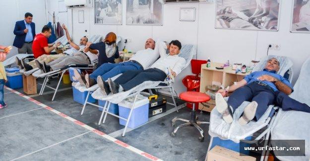 Kan bağışında bulundular...
