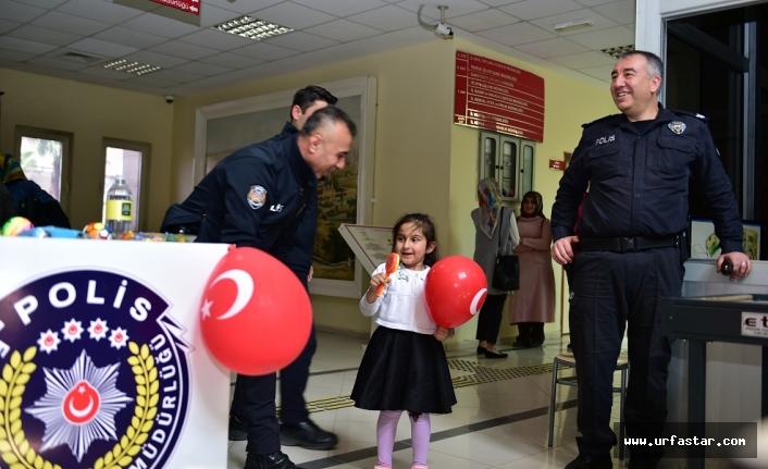 Polis Bayramında vatandaşa özel ilgi