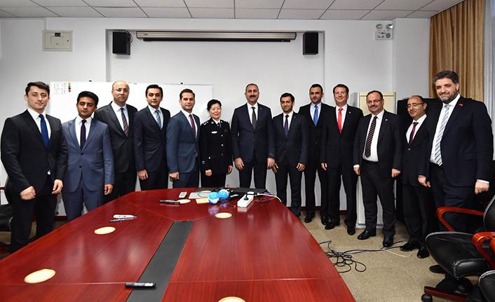 Türk Heyet Çin'de Urfalı bürokratı ziyaret etti