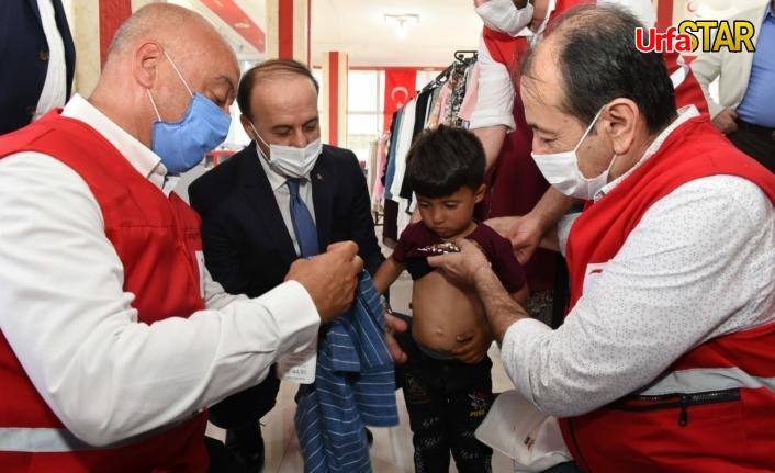 Resulayn'da Kızılay destekli mağaza açıldı