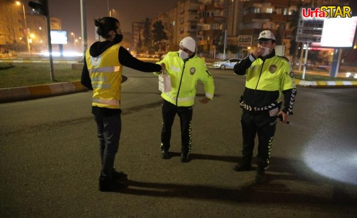 Canpolat'tan Polislere tatlı sürpriz...