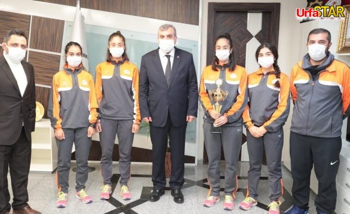 Şanlıurfa BŞB kız takımı şampiyon oldu
