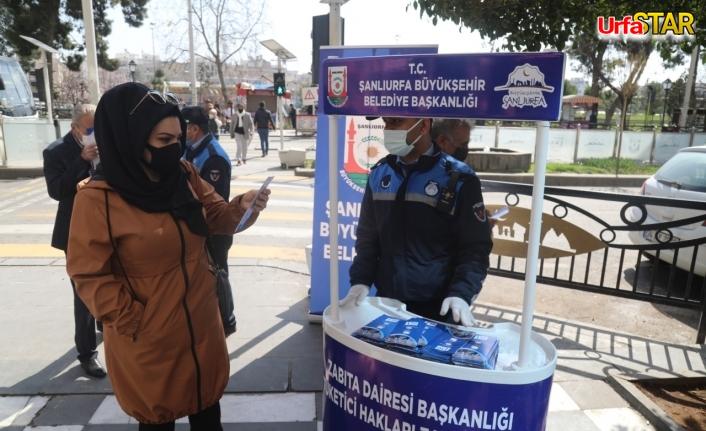 Urfa zabıtası 'Bilinçli Tüketici Ol' broşürü dağıttı