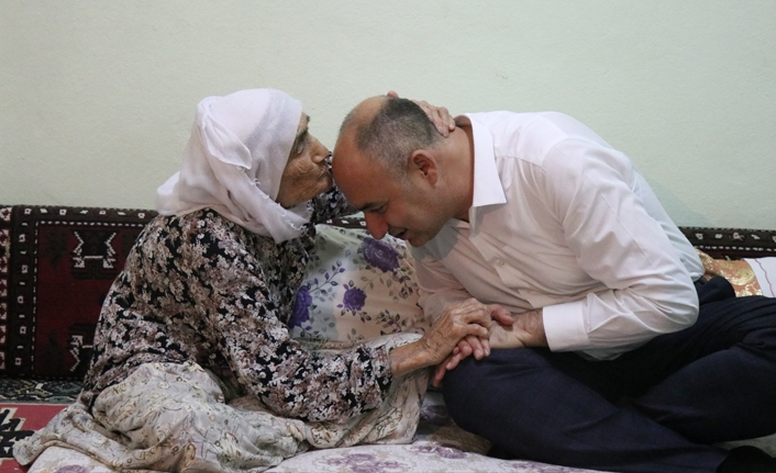 Başkan Aksoy; 'Yaşlılarımız Başımızın Tacıdır'
