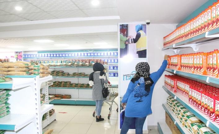 Haliliye'de son 1 ayda 735 aile alışveriş yaptı