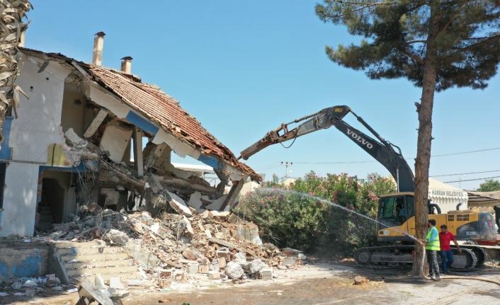 Harran'da ki ucube bina yıkıldı
