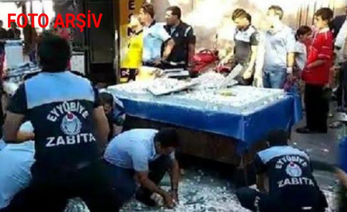 Urfa'da zabıtaya bıçakla saldıran seyyar satıcı tutuklandı