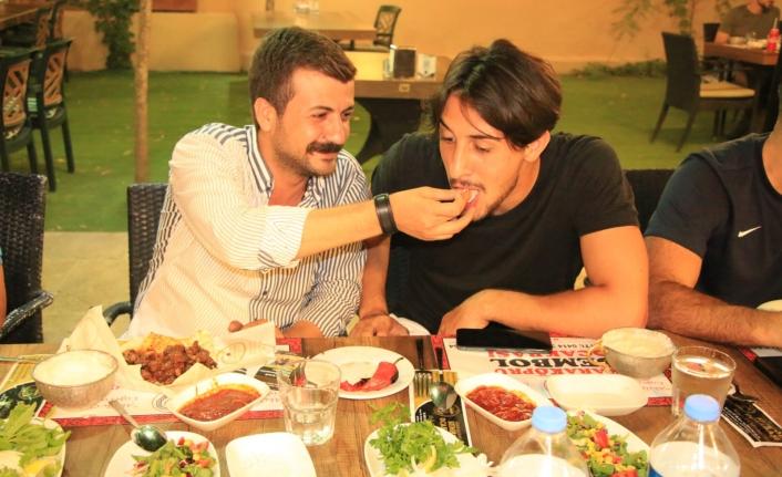Urfaspor Urfa'da ilk yemeğini yedi