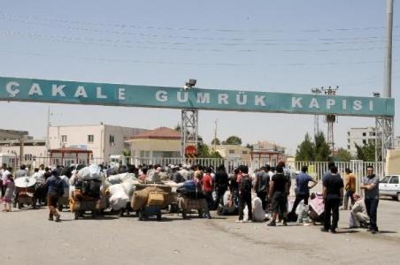 300 Suriyeli ülkesine döndü