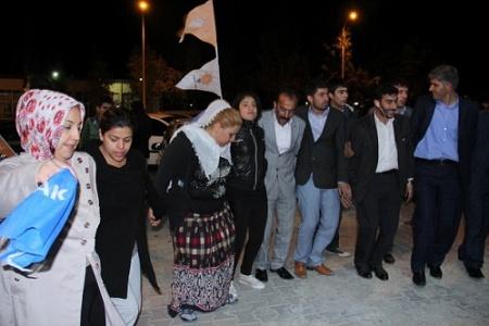 AK Partililer, Urfa'da sokağa döküldü