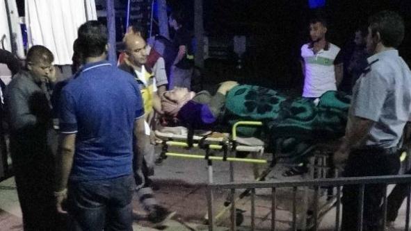 Akçakale'de fırtınada 8 kişi yaralandı