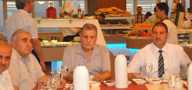 Altun'dan iftar yemeği
